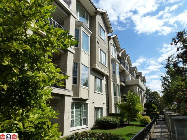 "Main Photo: 207 20281 53A Avenue in Langley: Langley City Condo for sale in ""CHILTON"" : MLS® # F1228557"