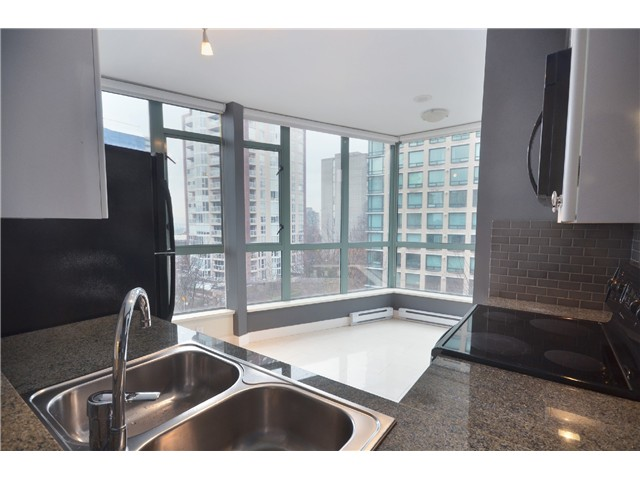 "Photo 4: 604 1238 BURRARD Street in Vancouver: Downtown VW Condo for sale in ""ALTADENA"" (Vancouver West)  : MLS(r) # V983749"