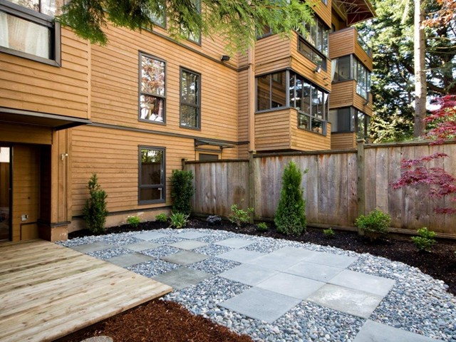"Main Photo: # 105 1435 NELSON ST in Vancouver: West End VW Condo for sale in ""WESTPORT"" (Vancouver West)  : MLS® # V1004825"