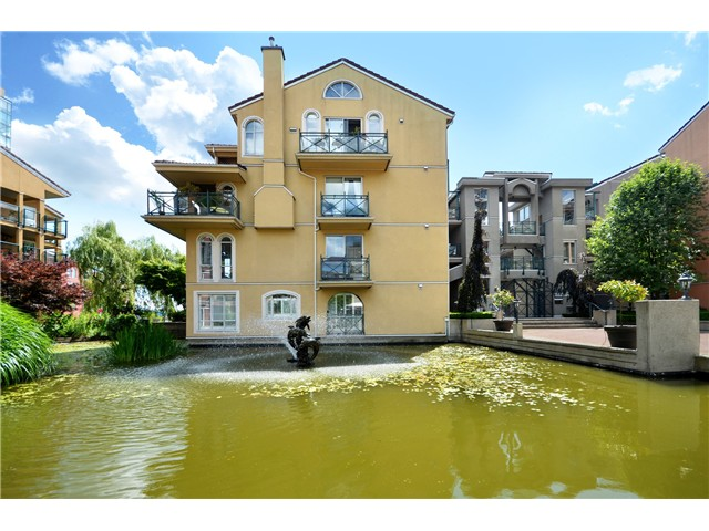Main Photo: # 115 3 RENAISSANCE SQ in New Westminster: Quay Condo for sale : MLS® # V1044236