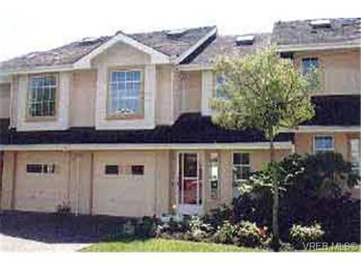 Main Photo: 22 10471 Resthaven Drive in SIDNEY: Si Sidney North-East Townhouse for sale (Sidney)  : MLS® # 110333