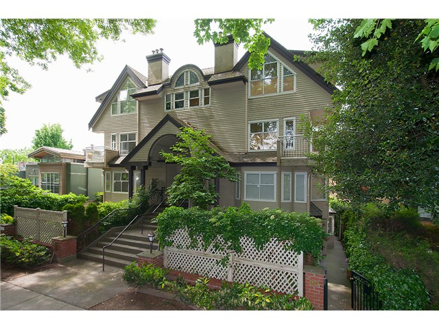 Main Photo: 1445 WALNUT ST in Vancouver: Kitsilano Condo for sale (Vancouver West)  : MLS® # V1103119