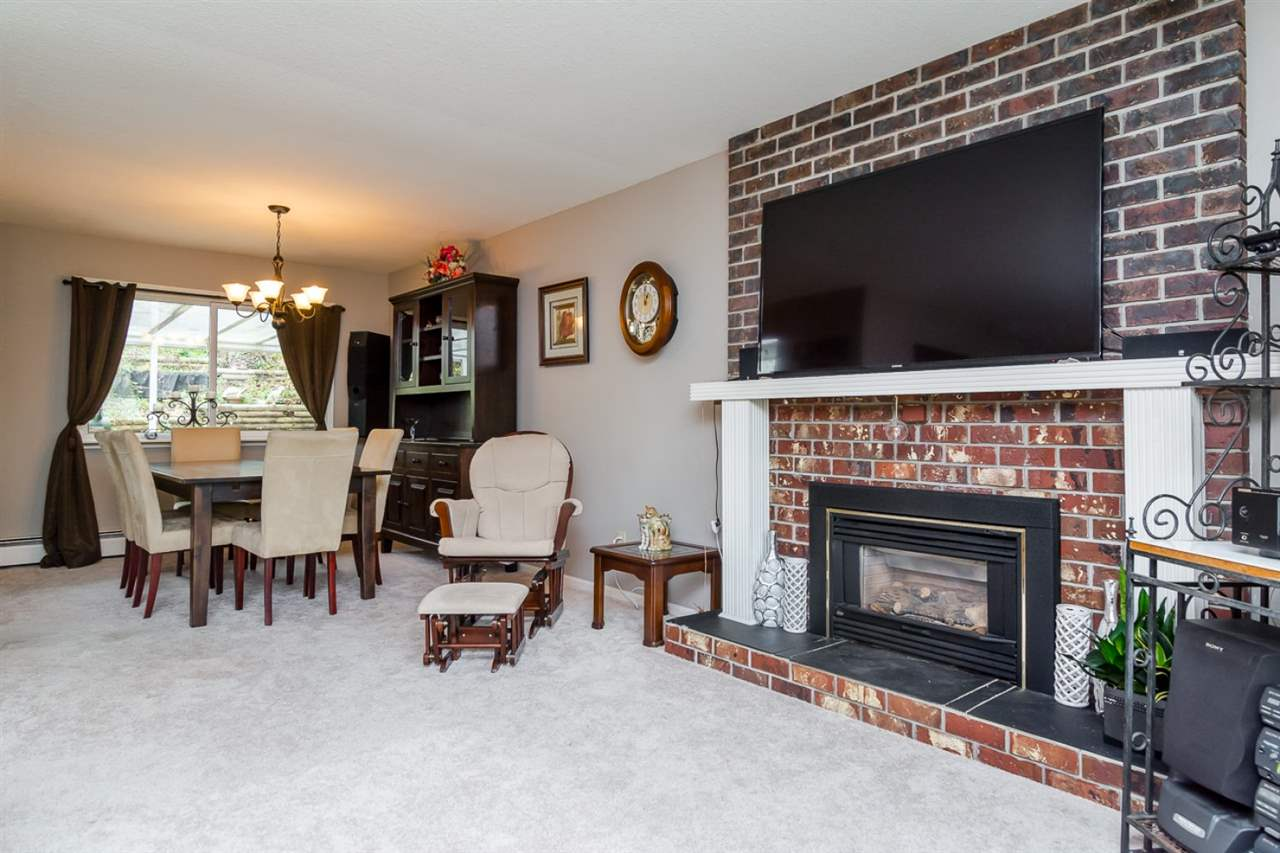 Photo 4: 2255 ORCHARD DRIVE in Abbotsford: Abbotsford East House for sale : MLS® # R2010173