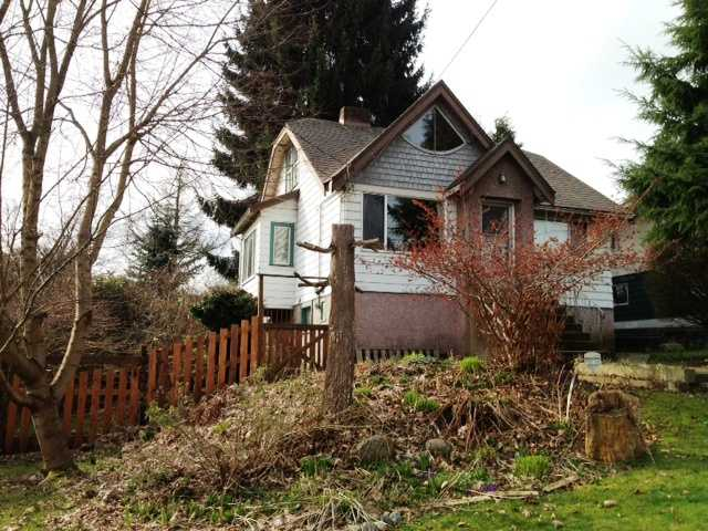 Main Photo: 330 HOULT ST in New Westminster: The Heights NW House for sale : MLS® # V999199