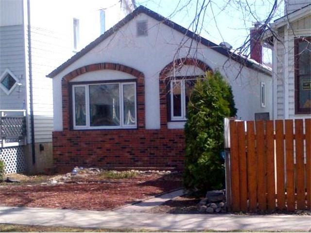 Main Photo: 907 Ashburn Street in WINNIPEG: West End / Wolseley Residential for sale (West Winnipeg)  : MLS® # 1309033