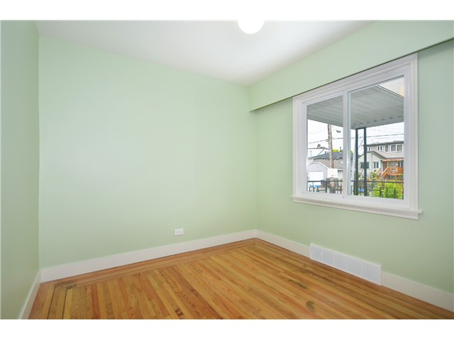 Photo 8: 2552 WILLIAM Street in Vancouver: Renfrew VE House for sale (Vancouver East)  : MLS(r) # V1015127