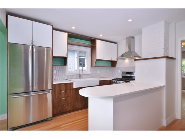 Photo 4: 2552 WILLIAM Street in Vancouver: Renfrew VE House for sale (Vancouver East)  : MLS(r) # V1015127