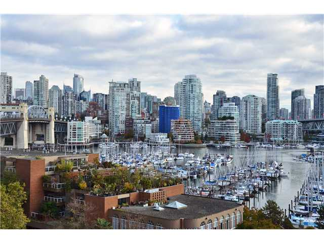 Main Photo: 1450 PENNYFARTHING DR in Vancouver: False Creek Condo for sale (Vancouver West)  : MLS® # V1091444