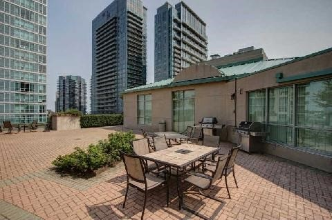 Photo 5: 300 Manitoba St Unit #403 in Toronto: Mimico Condo for sale (Toronto W06)  : MLS(r) # W3453080