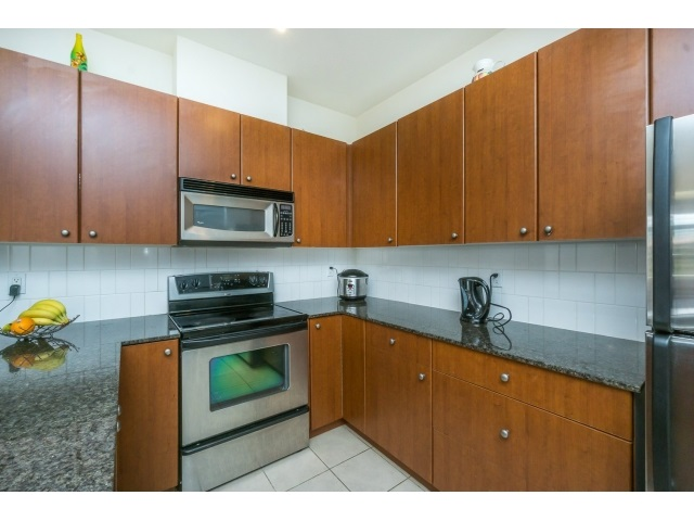 Photo 5: 130 15380 102A AVENUE in Surrey: Guildford Condo for sale (North Surrey)  : MLS(r) # R2062187