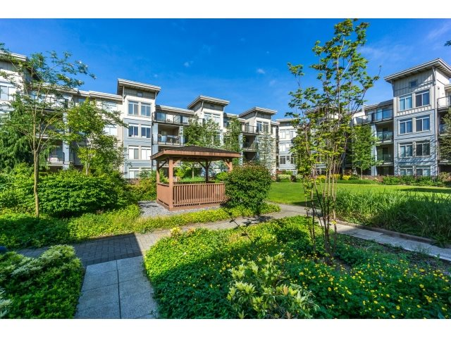 Photo 18: 130 15380 102A AVENUE in Surrey: Guildford Condo for sale (North Surrey)  : MLS(r) # R2062187