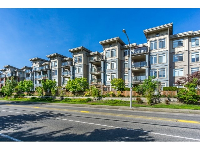 Photo 1: 130 15380 102A AVENUE in Surrey: Guildford Condo for sale (North Surrey)  : MLS(r) # R2062187