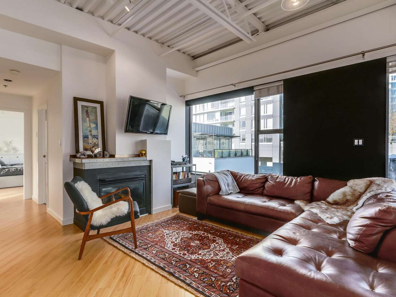 Photo 5: 511 549 COLUMBIA STREET in New Westminster: Downtown NW Condo for sale : MLS® # R2129468