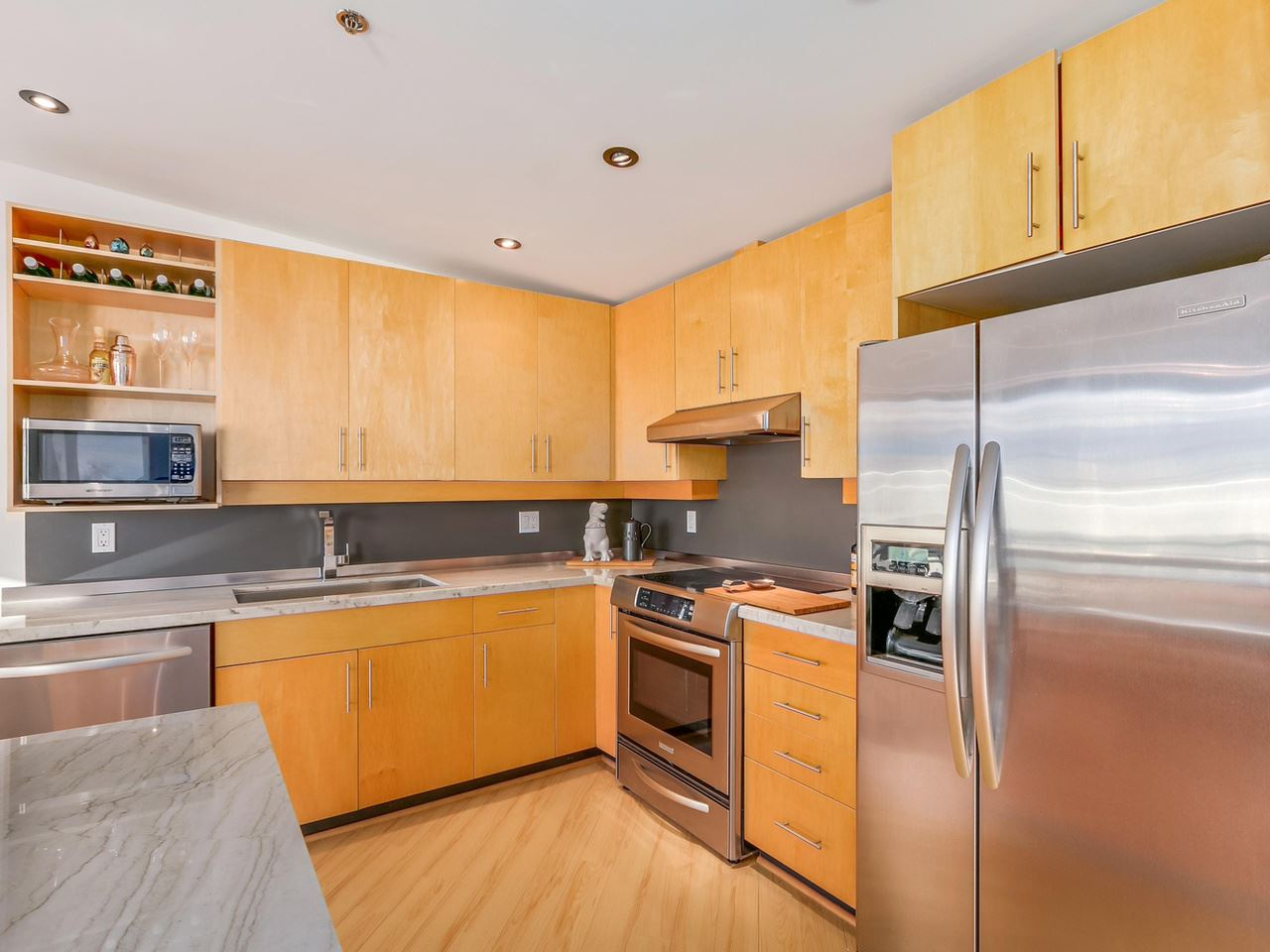 Photo 10: 511 549 COLUMBIA STREET in New Westminster: Downtown NW Condo for sale : MLS® # R2129468