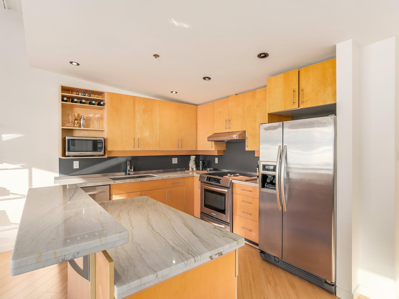 Photo 11: 511 549 COLUMBIA STREET in New Westminster: Downtown NW Condo for sale : MLS(r) # R2129468