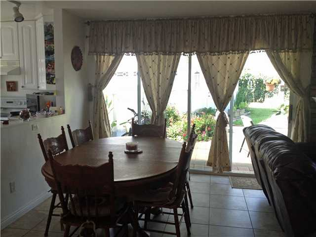 Photo 5: CLAIREMONT House for sale : 3 bedrooms : 4670 El Penon Way in San Diego