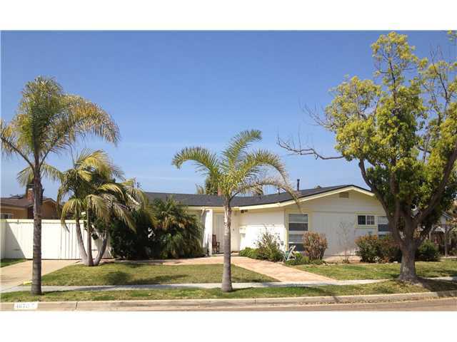 Main Photo: CLAIREMONT House for sale : 3 bedrooms : 4670 El Penon Way in San Diego