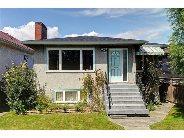 "Main Photo: 2381 E GEORGIA Street in Vancouver: Hastings House for sale in ""GRANDVIEW"" (Vancouver East)  : MLS®# V1017795"