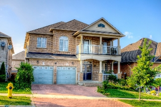 Main Photo: 216 Ivy Glen Dr in Vaughan: Patterson Freehold for sale : MLS® # N2985169