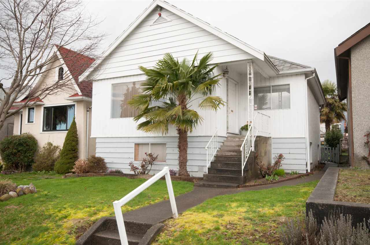 Main Photo: 2579 E GEORGIA STREET in Vancouver: Renfrew VE House for sale (Vancouver East)  : MLS® # R2039837