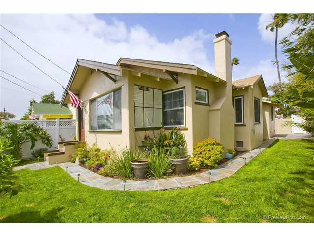 Main Photo: CORONADO VILLAGE House for sale : 2 bedrooms : 805 5th Street in Coronado