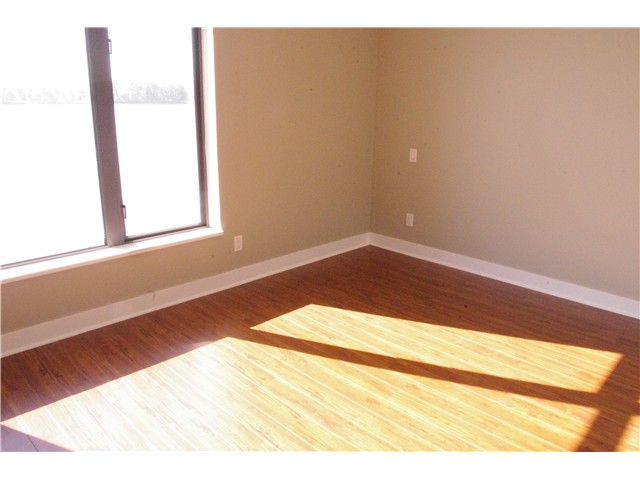 Photo 3: 410 14100 RIVERPORT Way in Richmond: East Richmond Condo for sale : MLS® # V1004111