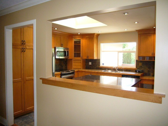 Photo 2: 15590 MADRONA DR in Surrey: King George Corridor House for sale (South Surrey White Rock)  : MLS® # F1425041