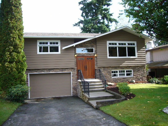 Main Photo: 15590 MADRONA DR in Surrey: King George Corridor House for sale (South Surrey White Rock)  : MLS® # F1425041