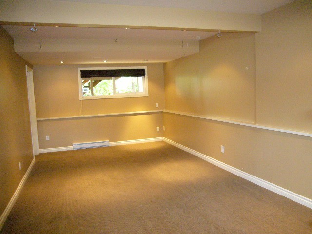 Photo 10: 15590 MADRONA DR in Surrey: King George Corridor House for sale (South Surrey White Rock)  : MLS® # F1425041