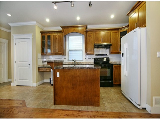 Photo 4: 14757 34A AV in Surrey: King George Corridor House for sale (South Surrey White Rock)  : MLS(r) # F1421355