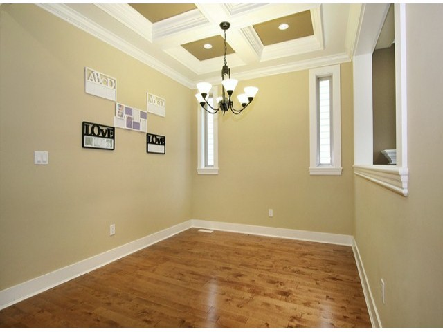 Photo 7: 14757 34A AV in Surrey: King George Corridor House for sale (South Surrey White Rock)  : MLS(r) # F1421355
