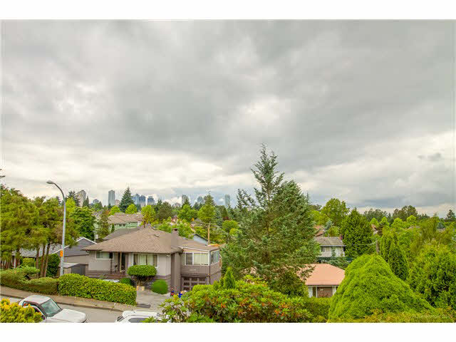 Photo 20: 6180 LAKEVIEW AVENUE in Burnaby: Upper Deer Lake House for sale (Burnaby South)  : MLS® # V1143097