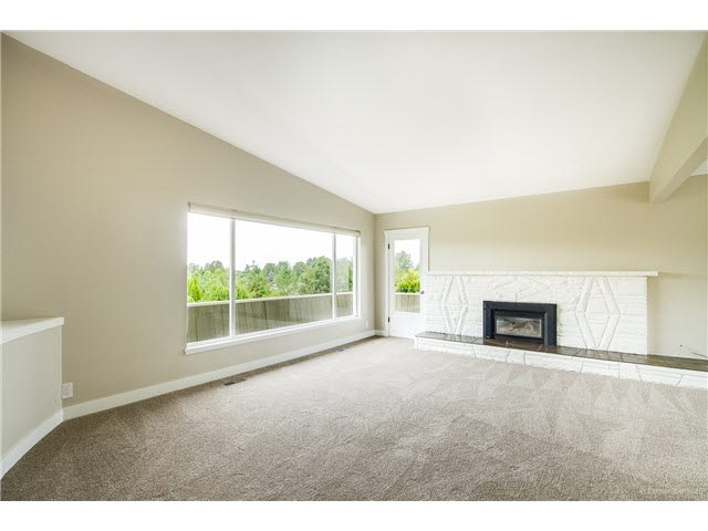 Photo 2: 6180 LAKEVIEW AVENUE in Burnaby: Upper Deer Lake House for sale (Burnaby South)  : MLS® # V1143097