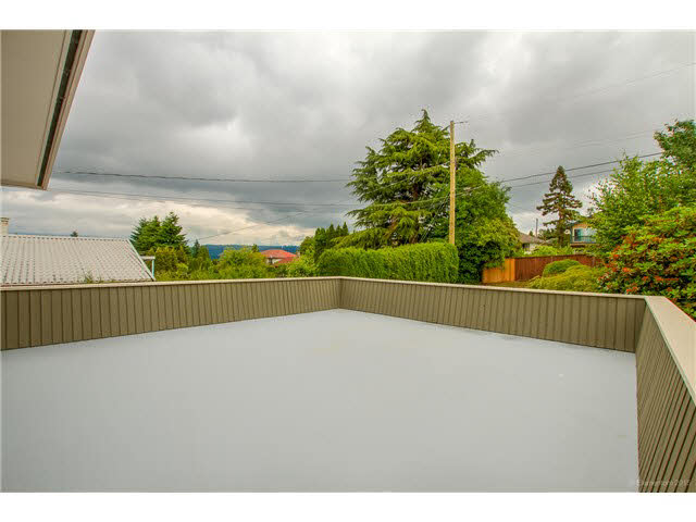 Photo 14: 6180 LAKEVIEW AVENUE in Burnaby: Upper Deer Lake House for sale (Burnaby South)  : MLS® # V1143097