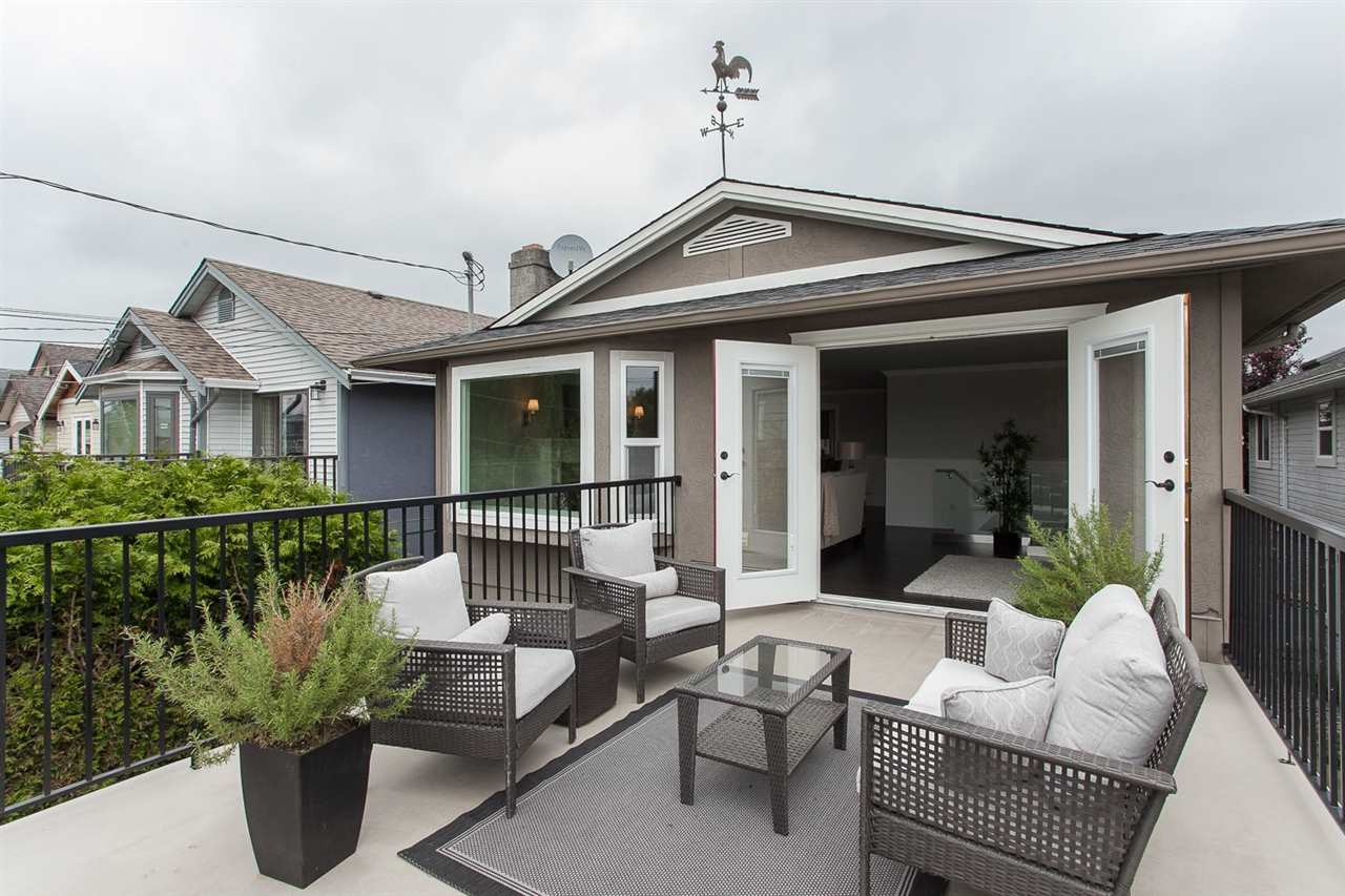 Photo 2: 3211 CHATHAM STREET in Richmond: Steveston Village Residential Detached for sale : MLS(r) # R2072657