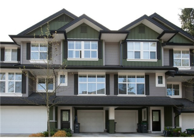 Main Photo: 109 18199 70 AVENUE in Surrey: Cloverdale BC Townhouse for sale (Cloverdale)  : MLS® # R2125309