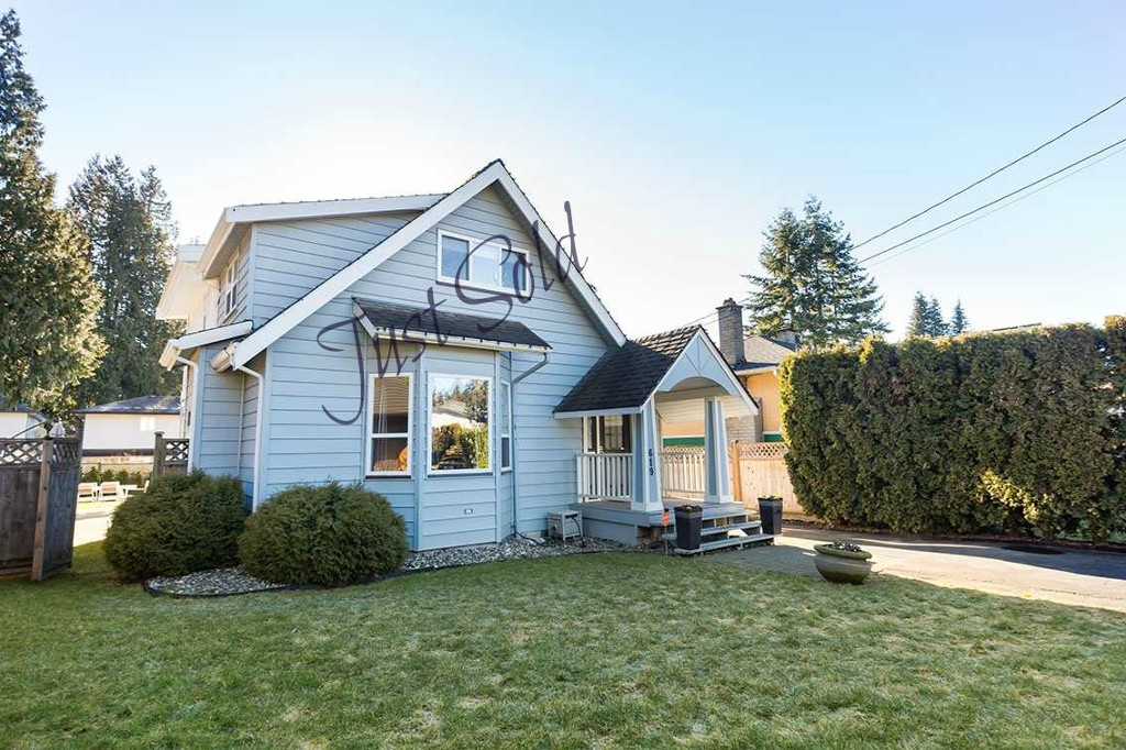 Main Photo:  in North Vancouver: Hamilton House for sale : MLS®# r2138312