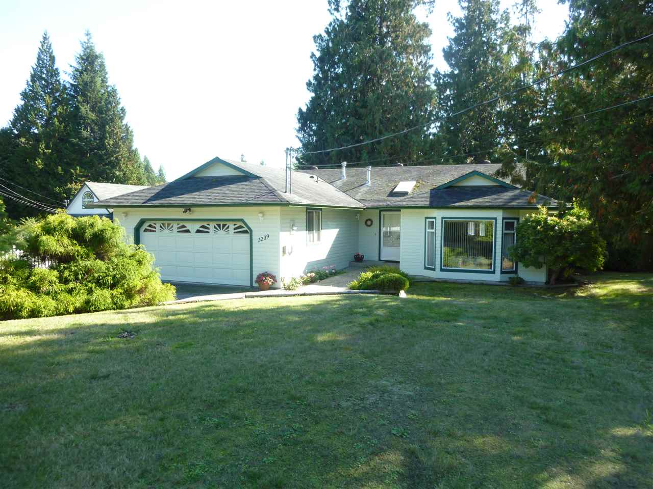 FEATURED LISTING: 3209 MOSSY ROCK Road Roberts Creek