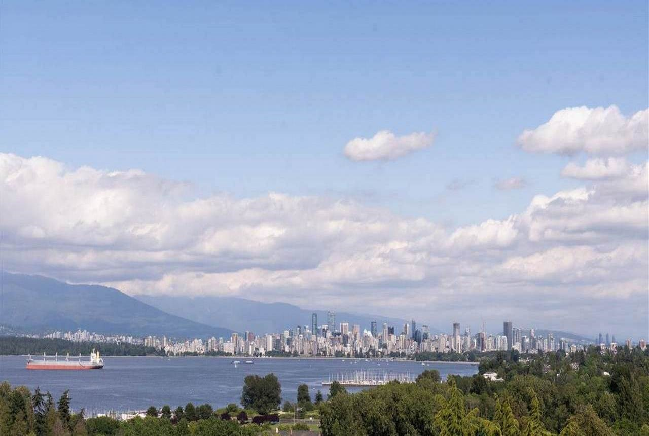 FEATURED LISTING: 4374 8TH Avenue West Vancouver