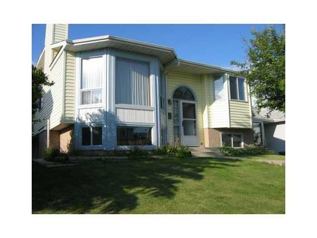 Main Photo: 285 SANDSTONE Drive NW in CALGARY: Sandstone Residential Detached Single Family for sale (Calgary)  : MLS® # C3519934