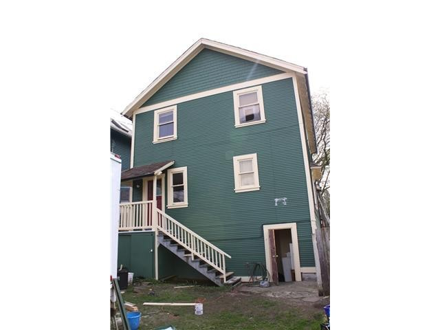 "Photo 2: 1723 NAPIER ST in Vancouver: Grandview VE House for sale in ""COMMERCIAL DRIVE"" (Vancouver East)  : MLS® # V989441"