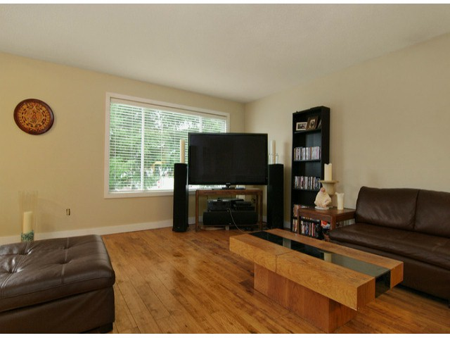Photo 2: 3159 267A Street in Langley: Aldergrove Langley House for sale : MLS(r) # F1315905