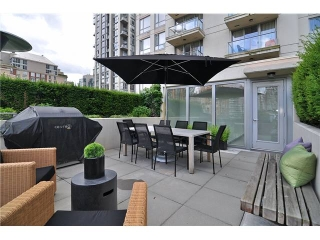 Main Photo: # 411 1225 RICHARDS ST in Vancouver: Yaletown Condo for sale (Vancouver West)  : MLS(r) # V1052342