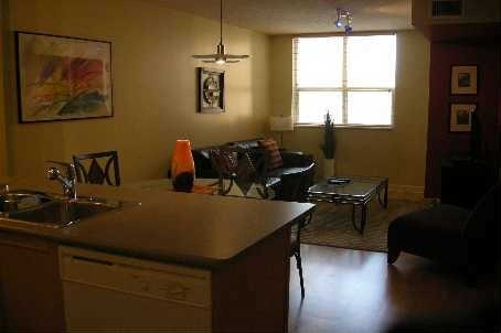 Photo 5: 323 Richmond St E Unit #805 in Toronto: Moss Park Condo for lease (Toronto C08)  : MLS(r) # C2924113