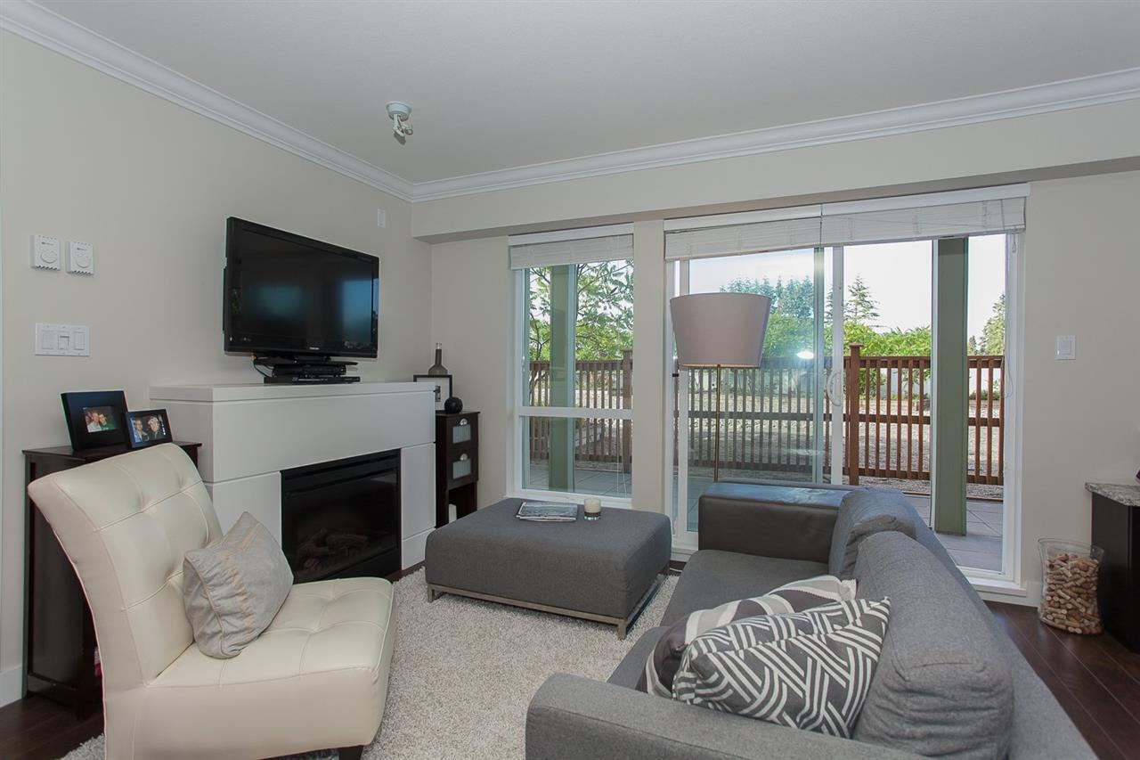 Photo 3: 209 15735 CROYDON DRIVE in Surrey: Grandview Surrey Condo for sale (South Surrey White Rock)  : MLS® # R2086027