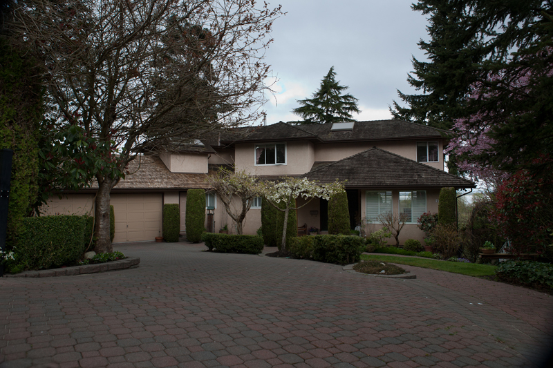 "Main Photo: 2781 124B Street in Surrey: Crescent Bch Ocean Pk. House for sale in ""Crescent Drive"" (South Surrey White Rock)  : MLS® # F1209012"