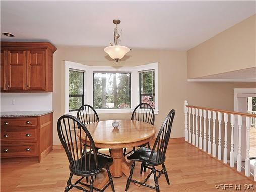 Photo 8: NORTH SAANICH REAL ESTATE = DEAN PARK HOME For Sale SOLD With Ann Watley