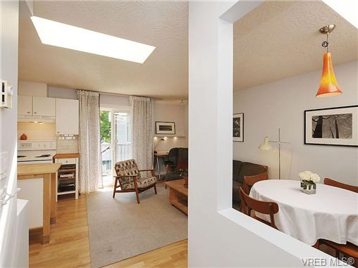 Main Photo: 405 445 Cook Street in VICTORIA: Vi Fairfield West Condo Apartment for sale (Victoria)  : MLS®# 326021