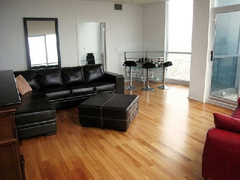 Photo 2: 219 Fort York Blvd Unit #Uph02 in Toronto: Niagara Condo for sale (Toronto C01)  : MLS(r) # C2796220