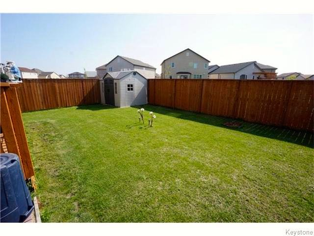 Photo 8: 72 Caribou Crescent in Winnipeg: South Pointe Single Family Detached for sale ()  : MLS® # 1609419